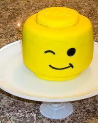 Best of the Web Lego Parties! (lego cupcakes for boys) Lego Torte, Lego Head Cake, Easy Lego Cake, Lego Food, Lego Birthday Party, Birthday Cakes, Boy Birthday, Birthday Ideas, Happy Birthday