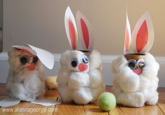 Toilet paper tube Easter Bunny craft. Great for kindergarten and pre-school age!