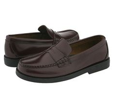 Sperry Colton in Burgundy. Sperry Topsider penny loafers are an instant classic that have stood the test of time. Great price too!