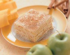 Ein cremiges Dessert mit Apfelmus und Zimt