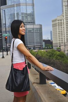 Nina with the CAUSEGEAR day bag in #Chicago