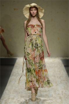 Sfilata Blugirl Milano - Collezioni Primavera Estate 2013 - Vogue