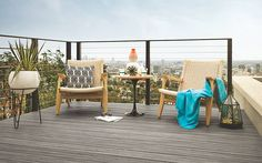 This Trex Transcend deck in Island Mist is the perfect place to watch the city light up. Outdoor Furniture Sets, Outdoor Decor, Outdoor Decking, Deck Patio, Furniture Ideas, Trex Composite Decking, Modern Deck, Front Deck, Deck Railings