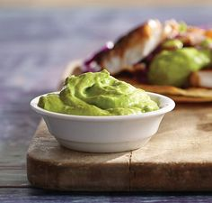 Keto Lemon Blueberry Muffins Avocado and Yogurt Party Dip Foods For Healthy Skin, Healthy Recipes, Healthy Food, Avocado Recipes, Chutneys, Blender Recipes, Cooking Recipes, Sauce Blender, Vitamix Blender