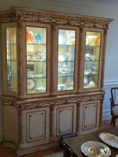 How to decorate a china cabinet