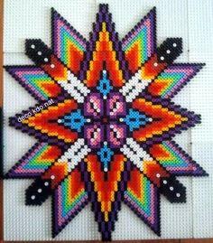 Une grande étoile multicolore  pour ce modèle: 2794 perles   prix de vente terminé: 15.20€