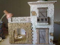 fachad11 Miniature Crafts, Miniature Houses, Foam Crafts, Diy And Crafts, Navity Scene, Nativity, Lanterns, Crafty, Frame