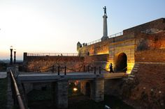 On the occasion of the tenth anniversary of the breakthrough of the Salonika Front, on the highest wall of the Belgrade Fortress, the monument called The Statue of the Victor was ceremonially unveiled in October 1928. The monument is dedicated to the victory over feudalism and slavery of the old and conservative empires that ceased to exist after the First World War.
