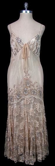 Dress, Valentino. 1920's. AMAZING. I wish I could replicate this dress. Makes me desperatly want to learn how to sew ...