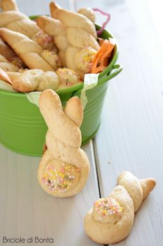 koulourakia easter greek cookies
