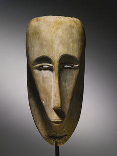 Fang-Ntumu Mask, Rio Muni River Region, Equatorial Guinea | lot | Sotheby's