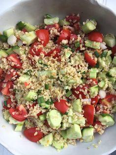 Bulgur Salad, Health Eating, Cobb Salad, Vitamins, Food And Drink, Healthy Recipes, Vegan, Cooking, Levek