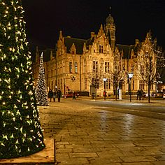The Christmas Market season is in full swing and Belgium has some beautiful markets to get you in the holiday spirit. Today we share three Christmas Markets to add to your holiday calendar.