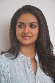 Keerthy Suresh stills at Mahanati Film Interview - South Indian Actress Beautiful Bollywood Actress, Beautiful Indian Actress, Beautiful Actresses, South Actress, South Indian Actress, Indian Actresses, Actors & Actresses, Indian Goddess, Artists For Kids