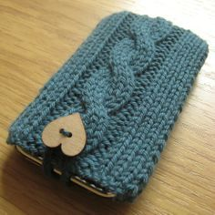 Hand Knitted Teal Mobile Phone Cozy.  iPads as well??