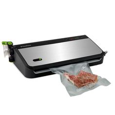 FoodSaver FM2435 ECR Vacuum Sealing System with Bonus Handheld Sealer and Starter Kit Silver