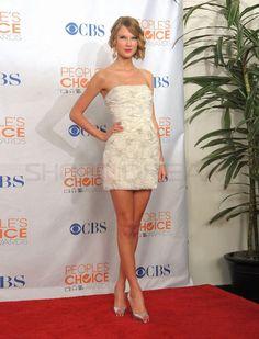 Taylor Swift    love her dress