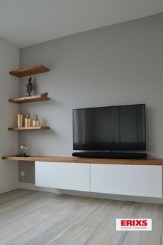 TV furniture white finished with oak veneer boards - Tv-meubelwand - Epoxy ontwerp Living Room Decor Cozy, Home Living Room, Home Entrance Decor, Narrow Living Room, Living Room Tv Unit Designs, Home Room Design, Living Room Inspiration, Home Decor Furniture, New Homes