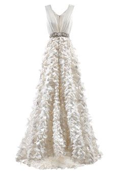 """Brides: How to Find the Perfect Wedding Dress for Your Body Type 
