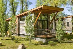 Casa de campo de madera muy pequeña, fácil de hacer.