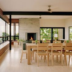 Like the simple, clean lines of this dining set.