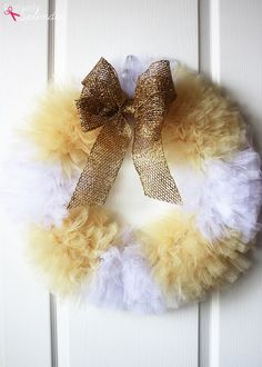 A craft tutorial for how to make a tulle wreath. Step-by-step photos included. MichaelsMakers Positively Splendid