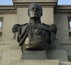Admiral of the Fleet Sir David Beatty (1st Earl Beatty) Bust - Trafalgar Square (Oldpicruss) Tags: london trafalgarsquare bust beatty sircharleswheeler