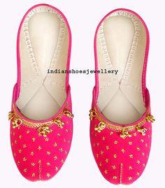 Size medium (US size) women shoes indian shoes khussa shoes flat. Cerise Pink Shoes, Indian Shoes, Desi Wear, Indian Fashion, Womens Fashion, Successful Women, Pakistani Outfits, Beautiful Shoes, Indian Wear