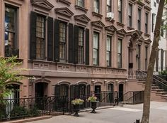 The best bed-and-breakfasts in NYC Need a little R&R but get the heebie-jeebies outside the city? Find the best bed-and-breakfast right in your backyard.
