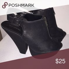 👠 BLACK CHUNKY HEELS 👠 Beautiful black chunky heels in gently used condition. Heels have a zipper in the front and buckles on the side. Call It Spring Shoes Heels