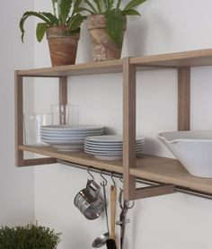 The Intro shelf in white-polished oak is always handmade by Kvänum. Somerset Cottage, Oslo, Ranch Style Homes, White Oak, Scandinavian Style, Home Kitchens, Modern, Dining Room, Shelves