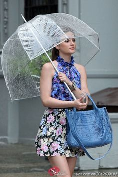 Love the umbrella, the outfit, the handbag, and Blair Waldorf!