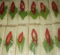 Resep Lemper Ayam Kukus Padang, Strawberry, Stuffed Peppers, Fruit, Vegetables, Food, Home, Stuffed Pepper, Essen