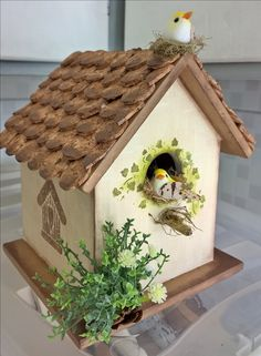 Decorative Bird Houses, Bird Houses Painted, Bird Houses Diy, Popsicle Stick Crafts House, Craft Stick Crafts, Wood Crafts, Transfer Images To Wood, Birdhouse Craft, Bird House Feeder