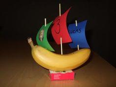 a healthy banana-boat :)    banaanbootje (gezonde kindertraktatie!)