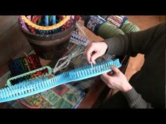 How to Loom Knit: Serenity Looms For Knifty Knitter Loom Lovers Loom Knitting Stitches, Knifty Knitter, Loom Knitting Projects, Knitting Videos, Arm Knitting, Yarn Projects, Double Knitting, Afghan Loom, Loom Blanket