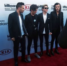 Four One Direction, One Direction Pictures, Billboard Music Awards 2015, Mc G, Wattpad, At Last, Makes You Beautiful, Beautiful People, Perfect Boy