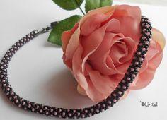 Schované v černé Jewelry, Dark Eye Circles, Jewlery, Bijoux, Schmuck, Jewerly, Jewels, Jewelery, Fine Jewelry