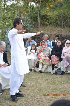 Imran Khan Pakistan, Reham Khan, The Legend Of Heroes, Mahira Khan, King Of Hearts, Living Legends, Great Leaders, Handsome, Prime Minister