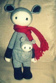 KIRA the kangaroo made by Ximena C. / crochet pattern by lalylala