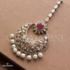 20 Maang Tikka, The Perfect Touch Of Elegance To Your Wedding Look - Trending in 2018 - Tikli.in- Fashion and Beauty Trends, Designer Collections, Exclusive Deals, Bollywood Style and Tika Jewelry, Indian Jewelry Earrings, Headpiece Jewelry, Fancy Jewellery, Jewelry Design Earrings, Gold Jewellery Design, Trendy Jewelry, Fashion Jewelry, Gold Jewelry