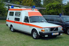 Volvo 240 (Ambulance) wallpaper background