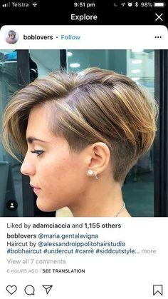 Loving this cut and color! – Birgit Jux Loving this cut and color! Loving this cut and color! Short Hair Undercut, Short Pixie Haircuts, Short Hair Cuts, Blonde Pixie Cuts, Pixie Bob, Sweet Hairstyles, Bob Hairstyles, Pixies, Cut And Color