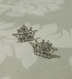 Petite intricate crowns Crown Earrings, Crowns, Silver Rings, Bling, Brooch, Bracelets, Jewelry, Jewel, Jewlery