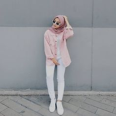 Hijab ootd hijab t shirt Modern Hijab Fashion, Street Hijab Fashion, Hijab Fashion Inspiration, Muslim Fashion, Fashion Pants, Fashion Outfits, Dress Fashion, Women's Fashion, Trendy Fashion