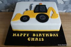 Digger JCB excavator birthday cake Birthday Cakes For Men, Digger Birthday Cake, Digger Cake, 2 Birthday Cake, Cakes For Boys, Bulldozer Cake, Kreative Desserts, Dad Cake, Party