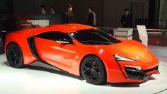 Alle europäischen Sportwagenmarken von Aston Martin bis Lamborghini sind in Shanghai dabei. Das hier aber ist der W Motors Lykan, der erste Supersportwagen aus Arabien. Nur sieben Stück sollen gebaut werden. 780 PS, 395 km/h Spitzengeschwindigkeit.