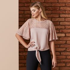 Swans Style is the top online fashion store for women. Shop sexy club dresses, jeans, shoes, bodysuits, skirts and more. Sewing Shirts, Sewing Clothes, Mom Outfits, Pretty Outfits, Big Girl Fashion, Womens Fashion, Crochet Shirt, Creation Couture, Dress Sewing Patterns