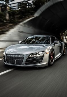 Audi R8. Bit too smooth, I miss the audi rings!