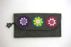 Felt eyeglass holder KIT w/ flowers & buttons (Wild About Crafts DIY Craft kit)
